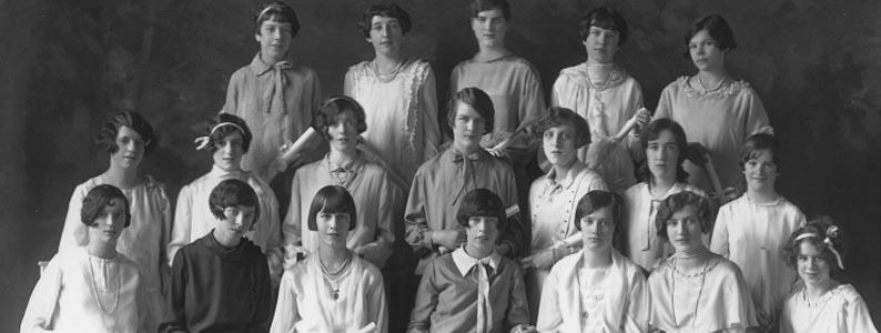 Graduées de l'Académie Saint-Gabriel, Montréal, 1926, Musée McCord, II-271726