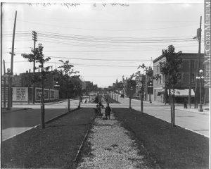 Angle des rues Sainte-Catherine et Pie-IX, Montréal, QC, 1916, Wm. Notman & Son, Musée McCord, VIEW-16184