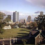 Le réservoir McTavish et le centre-ville, 1965, Archives de la Ville de Montréal, VM94AD69-003