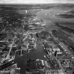 Vue aérienne du Vieux-Port de Montréal et du pont Jacques-Cartier, Septembre 1931, Archives d'Hydro-Québec, F01/700862/1853