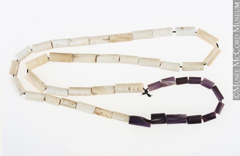 Collier de wampum, Forêts de l'Est, Autochtone : Iroquois?, 1765-1830, Don de M. Hale Esq., Musée McCord, M13321